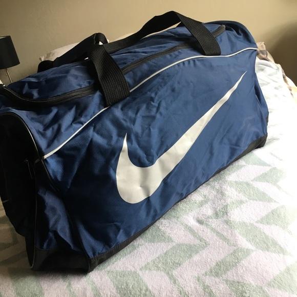 Nike Bags   Like New Large Duffle Bag   Poshmark 4283a33ca5